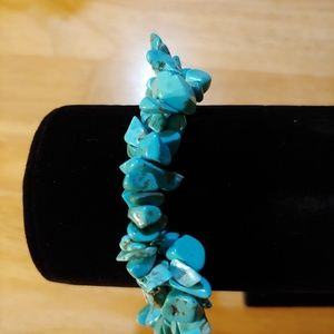 Turquoise Chip. Copper Veined. Bracelet. Twisted.